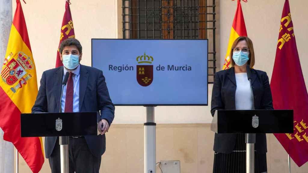 López Miras y la vicepresidenta Isabel Franco, expulsada de Ciudadanos.