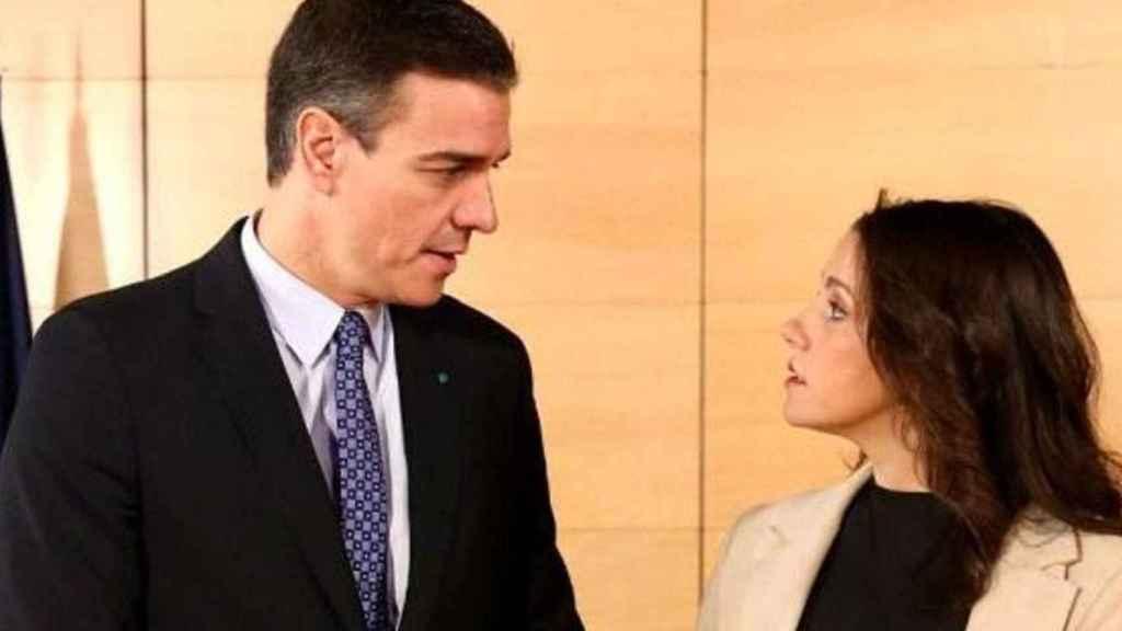 Pedro Sánchez, secretario general del PSOE, junto a Inés arrimadas, líder de Ciudadanos.