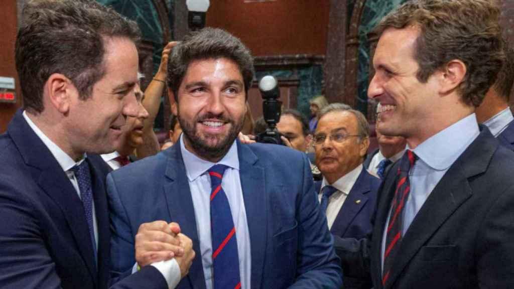 Teodoro García Egea, Fernando López Miras y Pablo Casado.