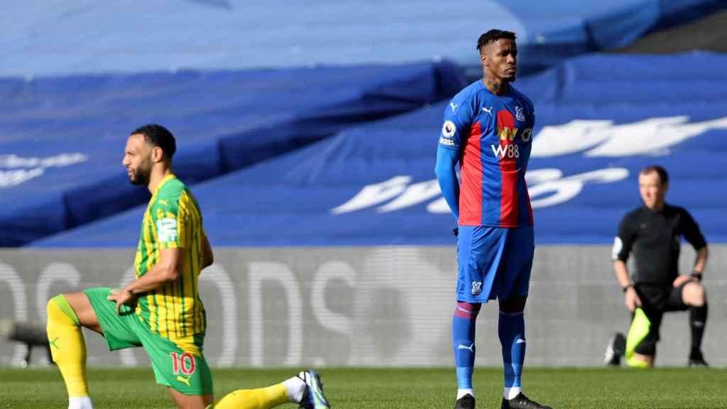 Zaha se niega a arrodillarse antes de su partido de Premier contra el West Bromwich Albion
