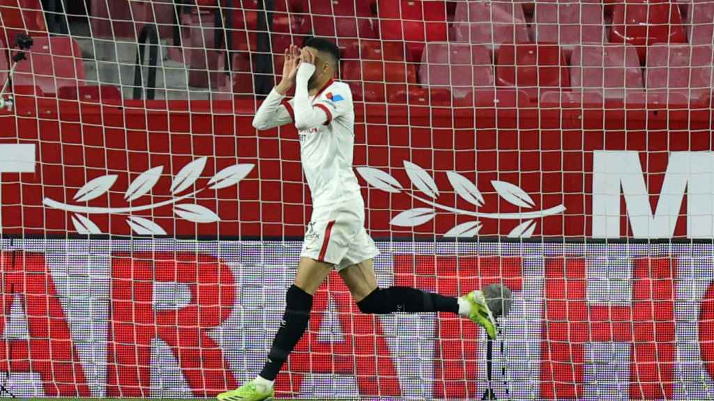 En-Nesyri celebra su gol con el Sevilla