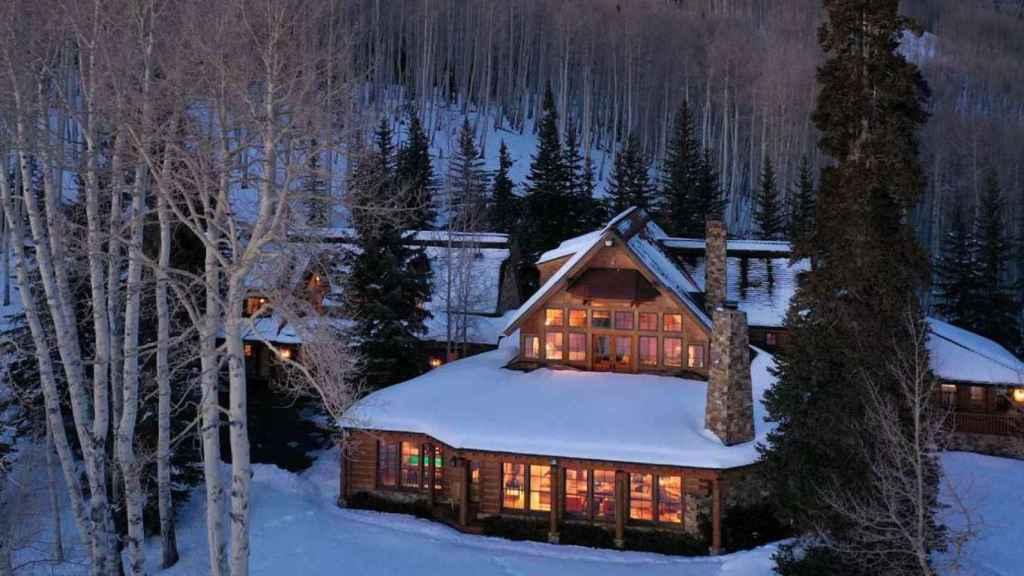 Una imagen del exterior de la casa de Tom Cruise en Colorado.