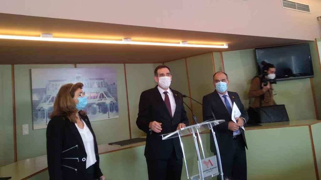 Los diputados díscolos de Vox, Mabel Campuzano, Juan José Liarte y Francisco Carrera.