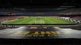 Vista general del Camp Nou antes del partido