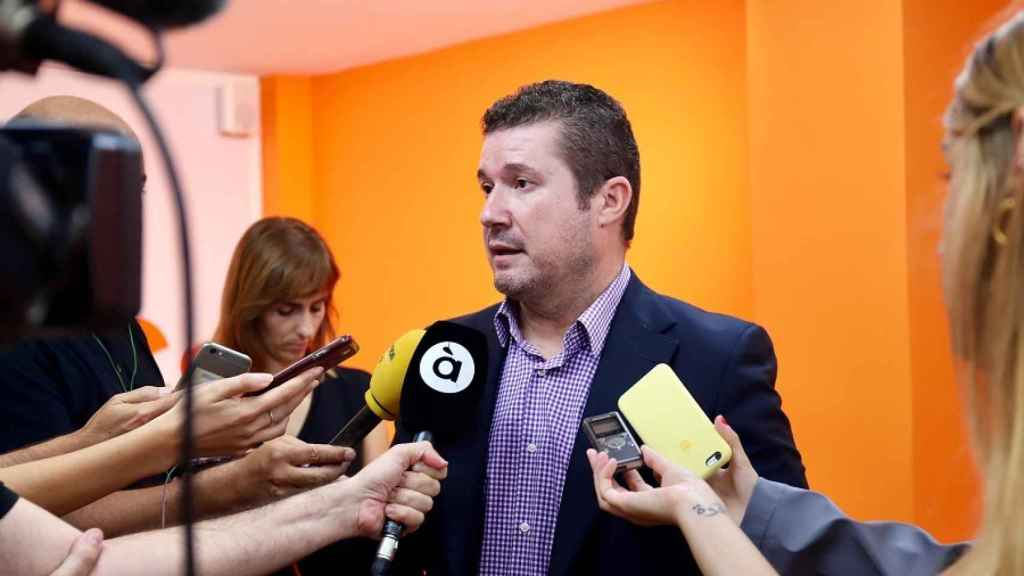 Emilio Argüeso, en las Cortes valencianas, donde fue elegido como senador territorial.