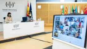 Imagen del Consejo Interterritorial de este lunes en el que se ha decidido paralizar la vacunación con AstraZeneca.