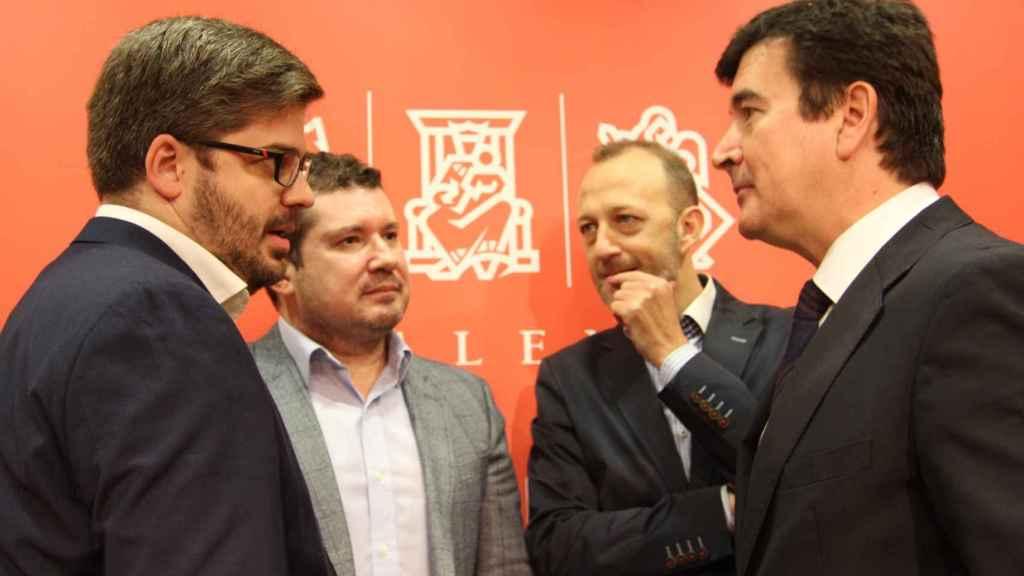 Fran Hervías y Emilio Argüeso (izquierda) junto a Alexis Marí y Fernando Giner en una imagen de archivo. EE