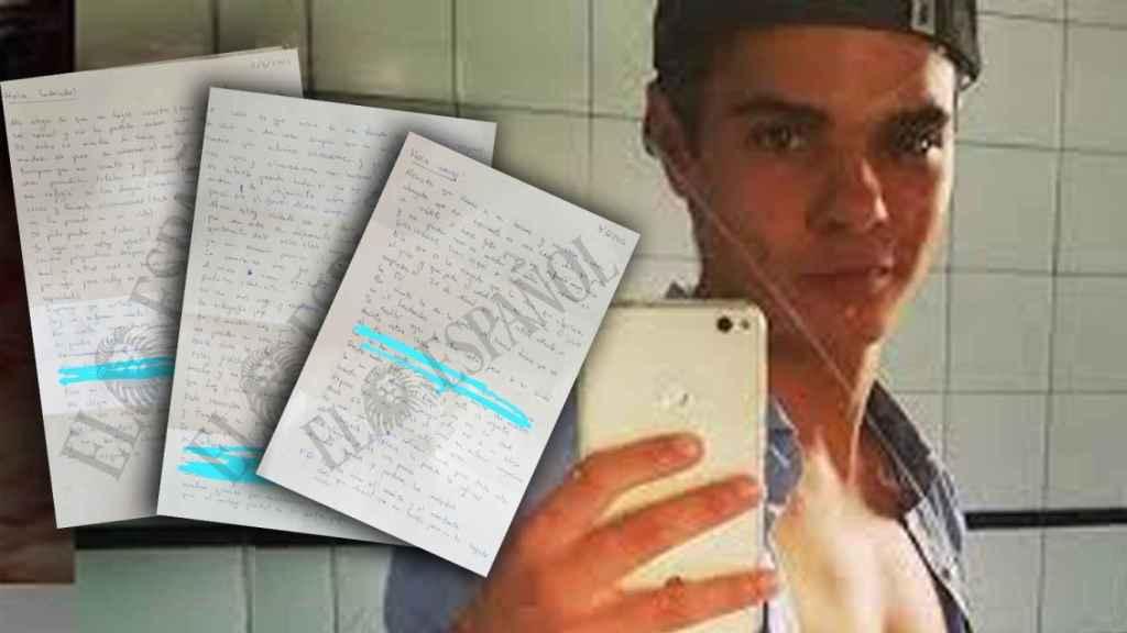Alberto Sánchez Gómez, junto a un montaje con las cartas enviadas recientemente a un amigo.