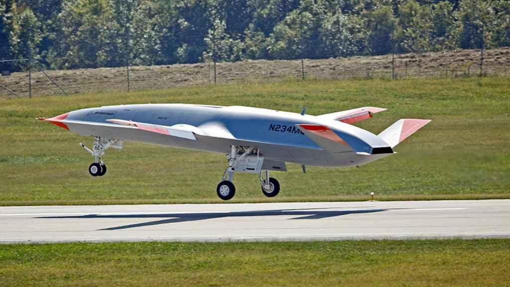 MQ-25 Stingray aterrizando