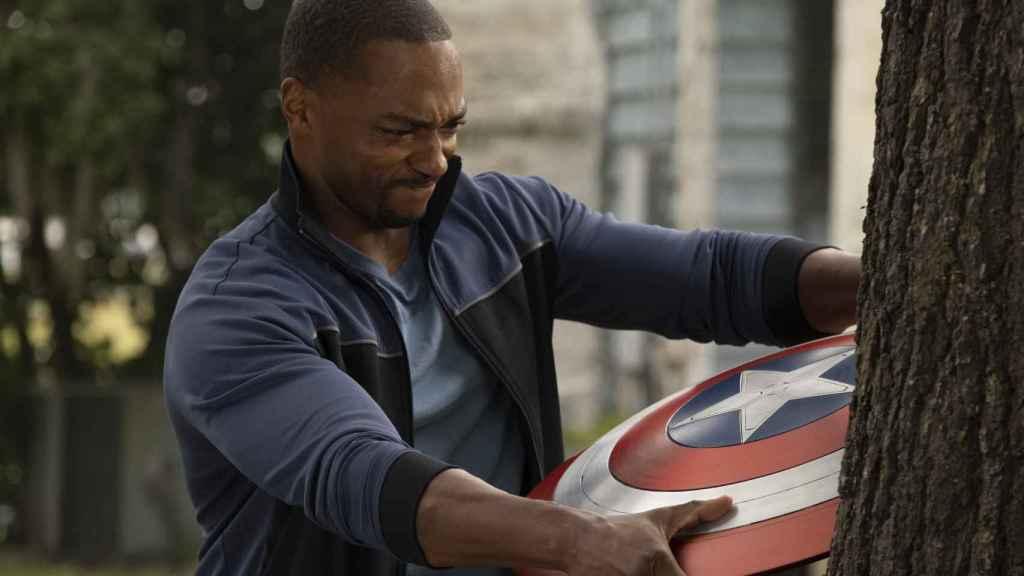 Falcon heredará el escudo del Capitán América.