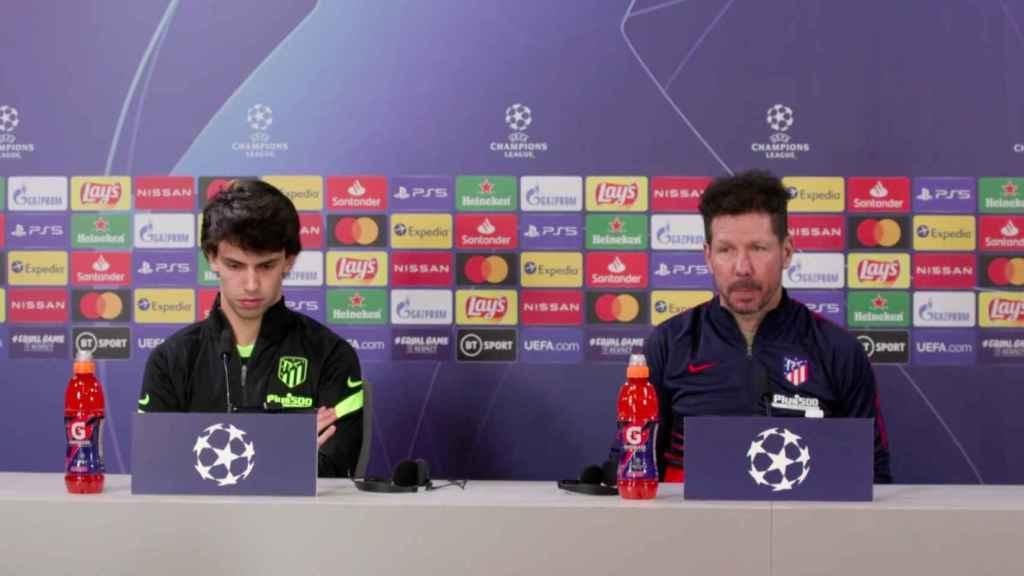 Joao Félix y Simeone en rueda de prensa