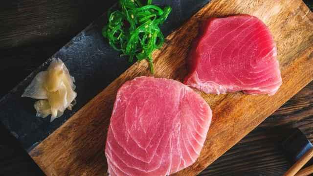Dos lomos de atún rojo.