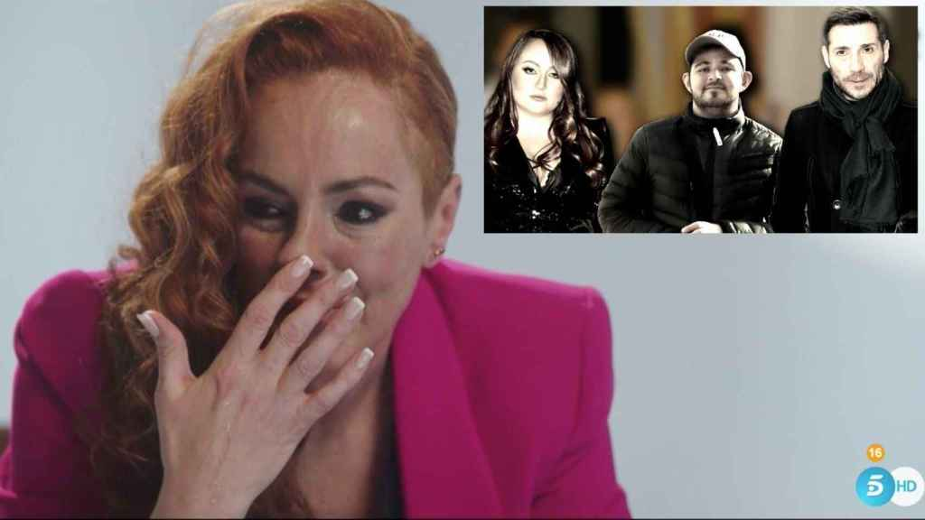 Rocío Carrasco, deshecha en lágrimas durante el documental, en montaje de JALEOS junto a sus hijos y Antonio David.