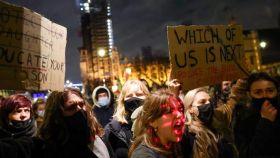 Mujeres en las protestas por la muerte de Sarah Everard.