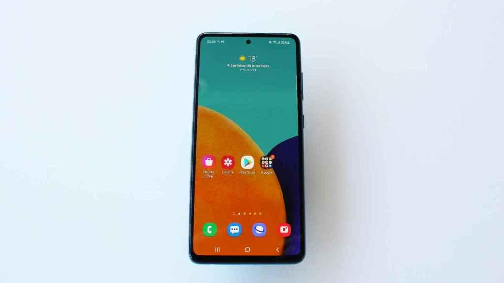 Parte frontal del Samsung Galaxy A52 5G.