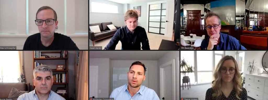 Algunos de los expertos de Facebook en el desarrollo del clic inteligente, comandados por Mike Schroepfer (superior izquierda) y Thomas Reardon (superior derecha)