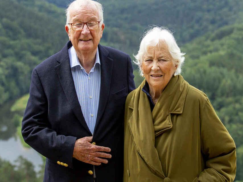 El rey emérito belga junto a su mujer Paola en un reciente posado.