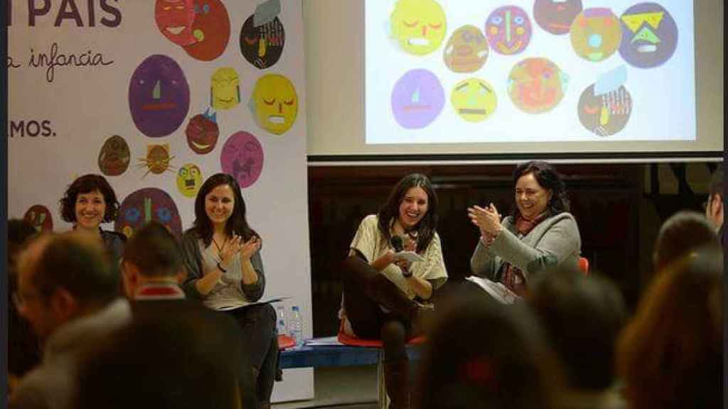 Ione Belarra e Irene Montero, en uno de los primeros actos de Podemos.