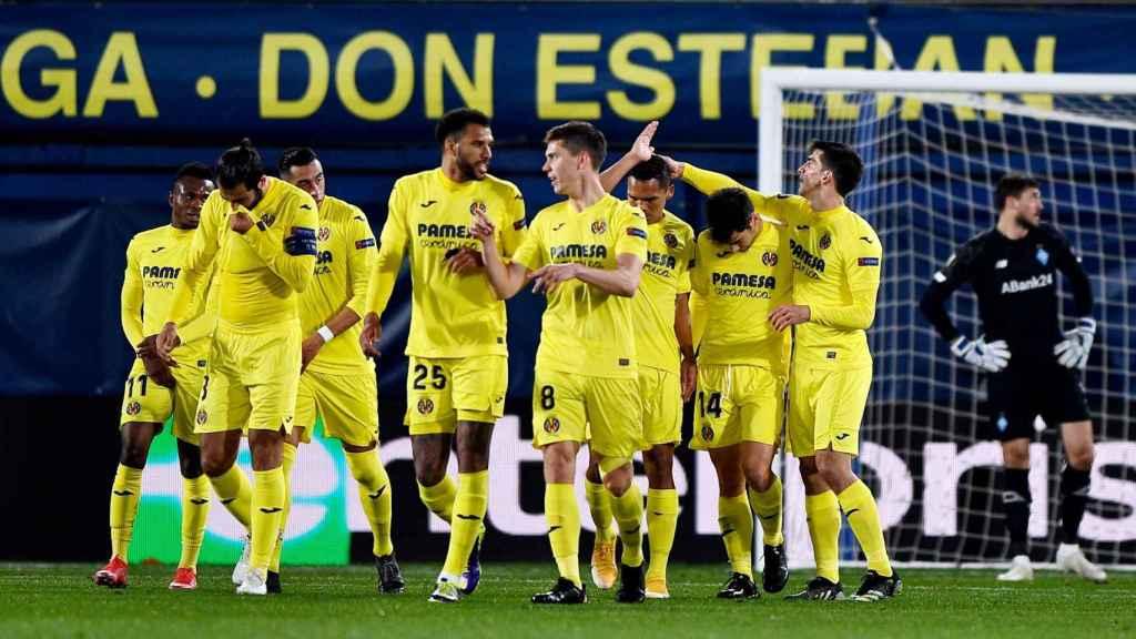 Los jugadores del Villarreal celebran un gol en los octavos de Europa League