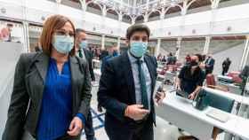 El presidente regional, Fernando López Miras, junto a la vicepresidenta, Isabel Franco.