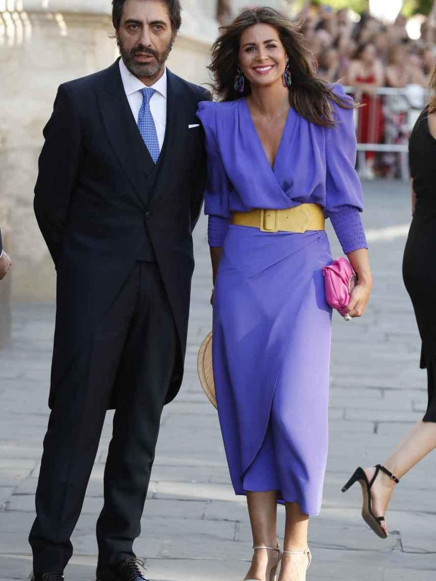 Juan del Val y Nuria Roca en la boda de Pilar Rubio y Sergio Ramos.