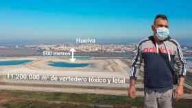 Vista aérea de los fosfoyesos de Huelva, que se encuentran a 500 metros de los primeros edificios de la ciudad.