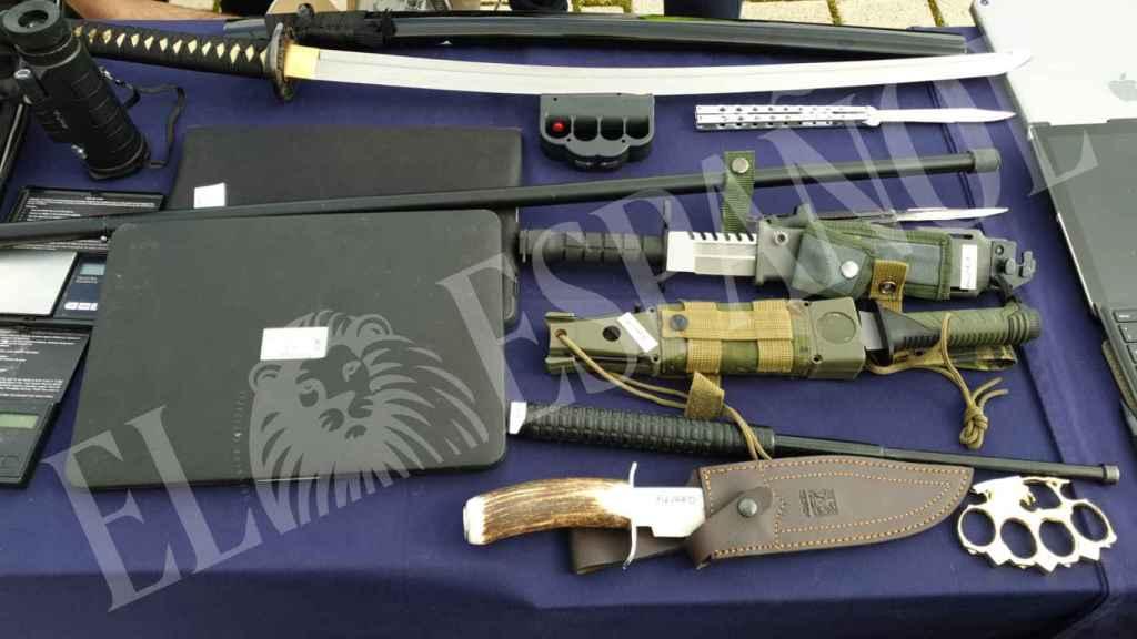 Algunas de las armas incautadas a la organización.