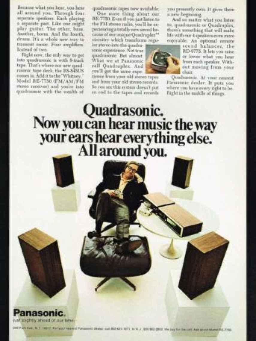 """Qué mejor manera de anunciar un equipo de sonido """"Cuadrafónico """"."""