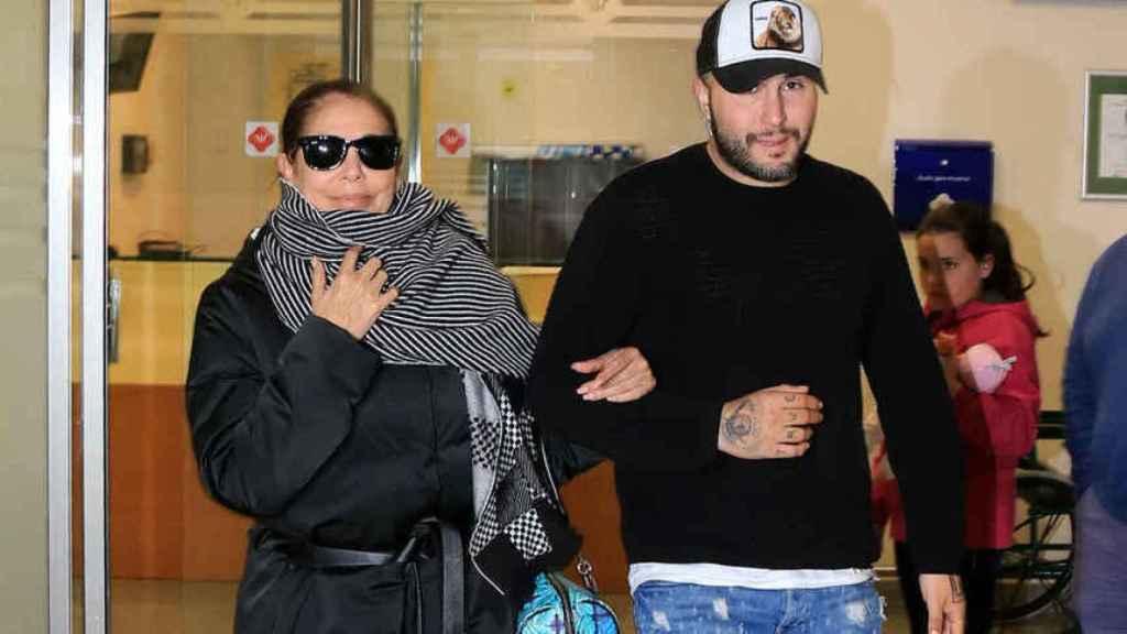 Isabel Pantoja junto a su hijo Kiko Rivera en una imagen de archivo.