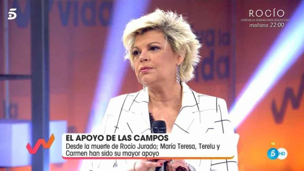 Terelu Campos explicándose ante Emma García en 'Viva la vida'.