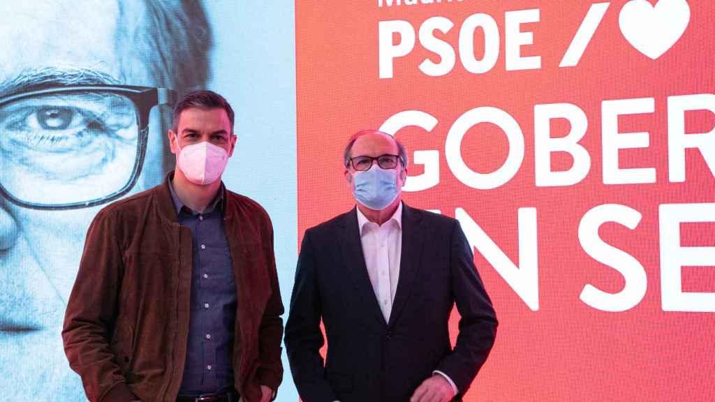 Gabilondo y Pedro Sánchez, en la presentación de la campaña.