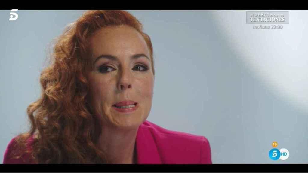 Rocío contando su intento de suicidio en la serie documental.