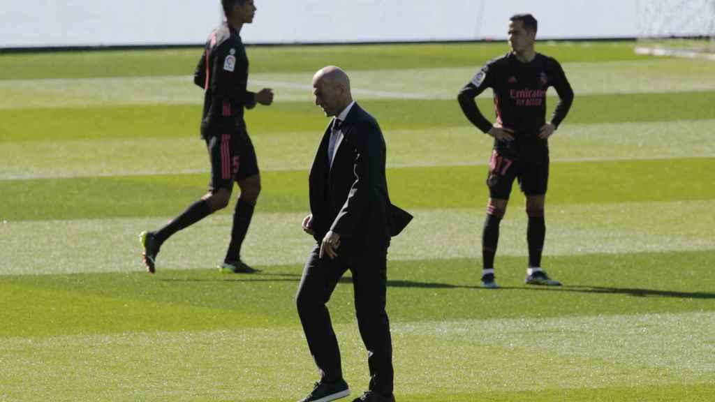 Raphael Varane, Zinedine Zidane y Lucas Vázquez, sobre Balaídos