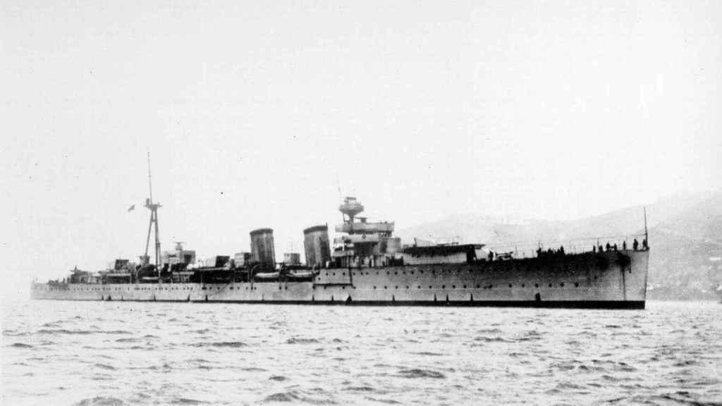 El buque 'Almirante Cervera' en una imagen de 1928, poco después de ser botado al agua.