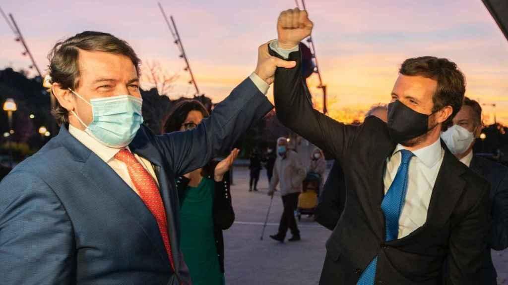 Pablo Casado y el presidente de Castilla y León, Alfonso Fernández Mañueco, este lunes en Valladolid.