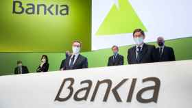 José Sevilla y José Ignacio Goirigolzarri, durante la junta de accionistas de Bankia