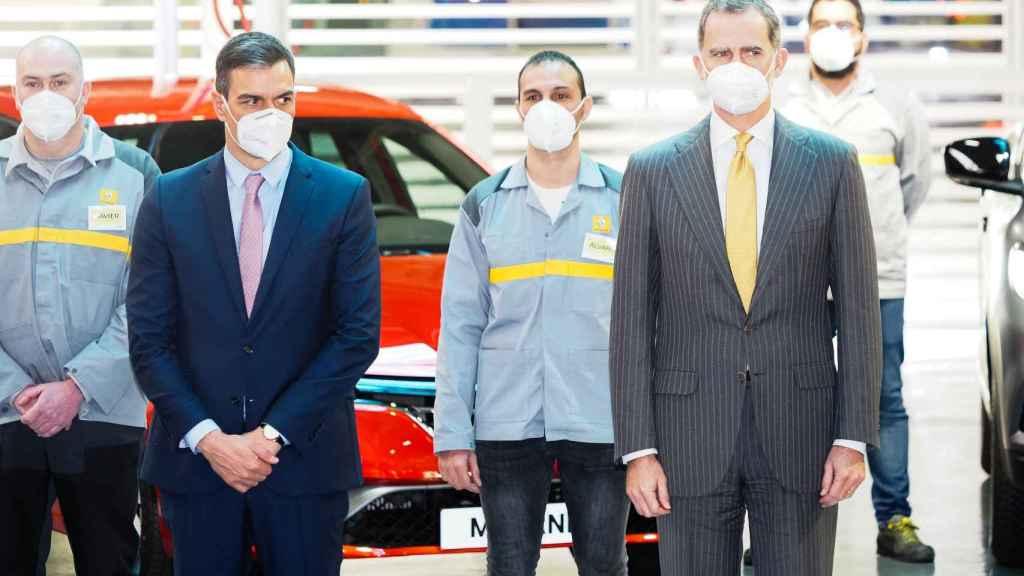Felipe VI y Pedro Sánchez en la presentación del Plan Estratégico de Renault.