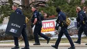Al menos seis muertos en un tiroteo en un supermercado en Colorado (Estados Unidos)