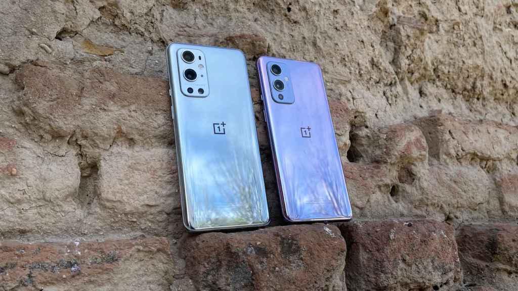 OnePlus 9 (der.) y 9 Pro (der.)
