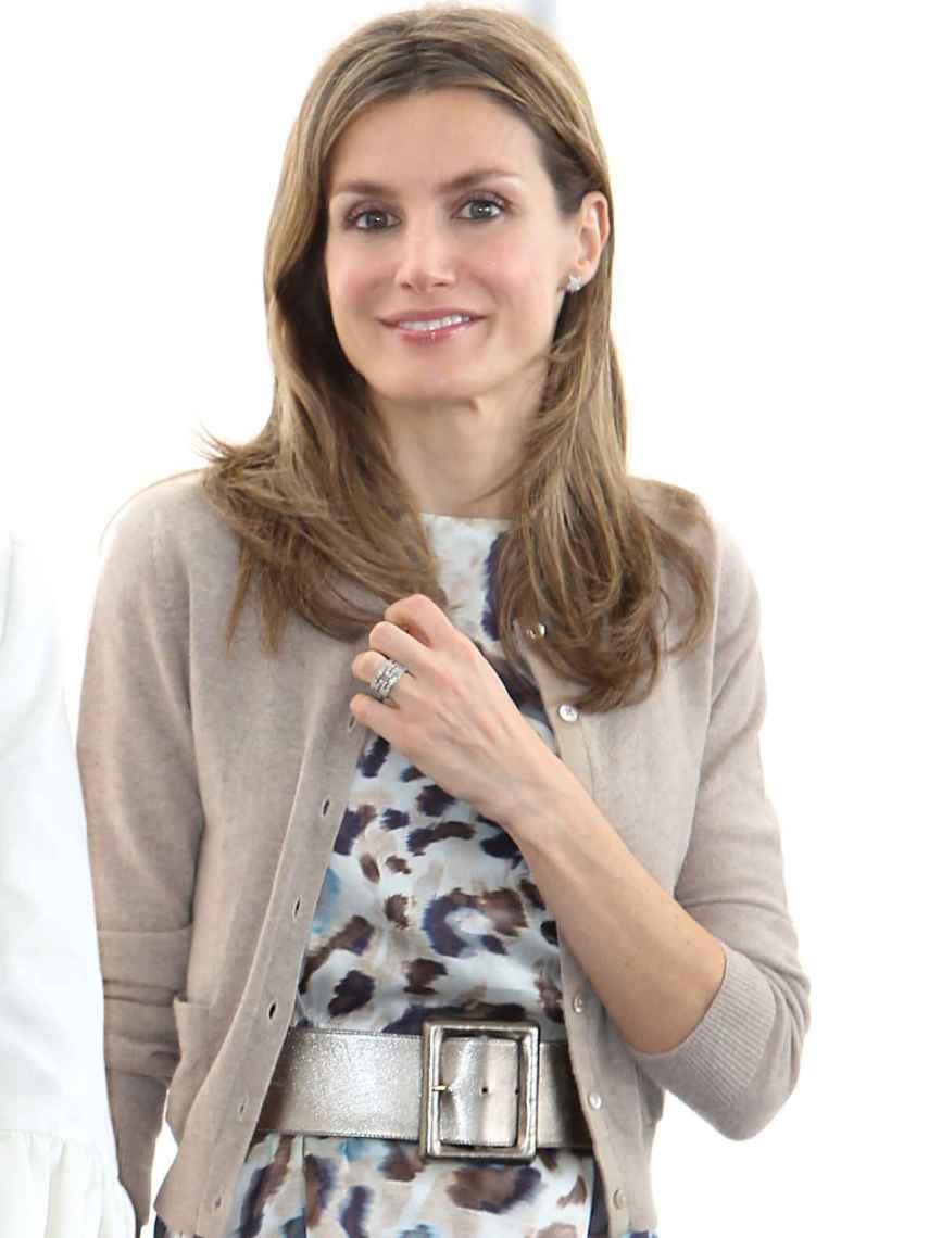 Letizia, con el anillo de Bvlgari que le regalaron tras el nacimiento de Sofía.