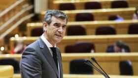 Antonio Román en el Senado