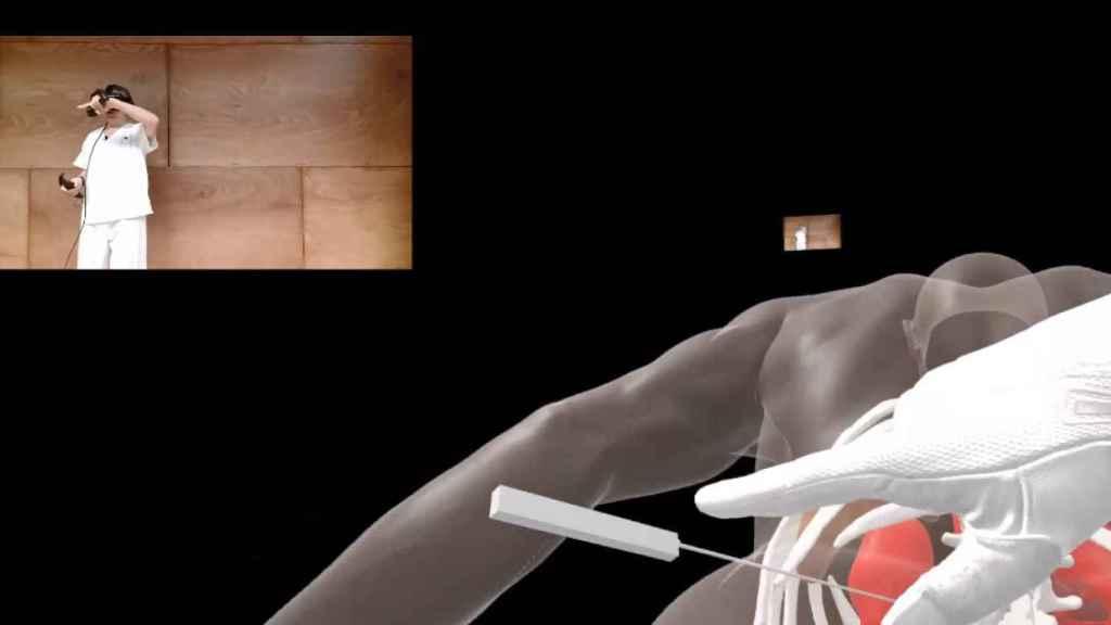 José Ibeas presentando la solución de realidad virtual para los cirujanos de la startup Anais Medical