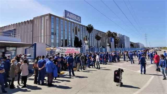 Concentración de los trabajadores de Airbus en Puerto Real (Cádiz)