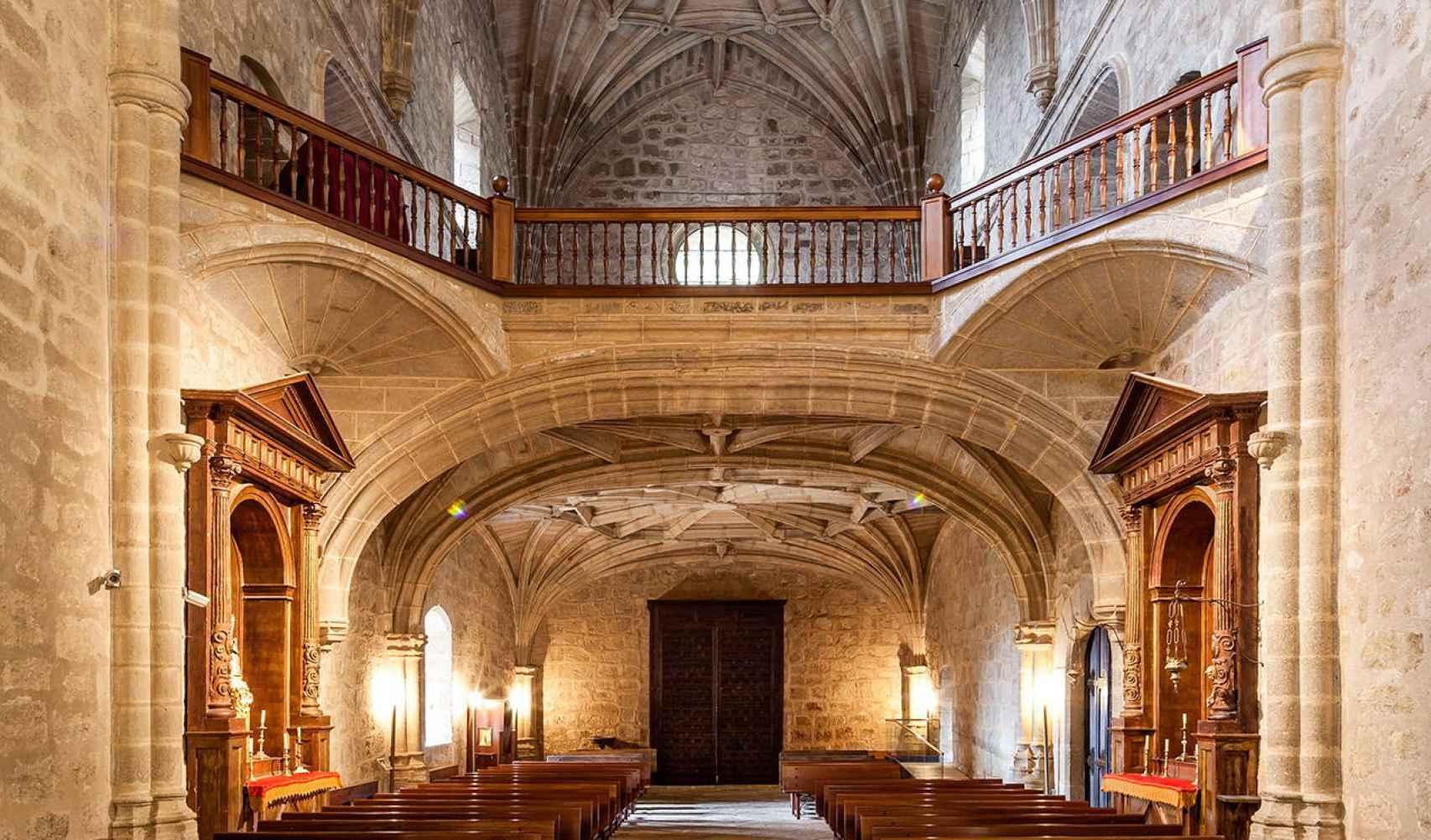 Interior de la iglesia del monasterio de Yuste.