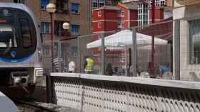 La estación de Ermua ya cuenta con la instalación de esta innovadora barrera acústica.