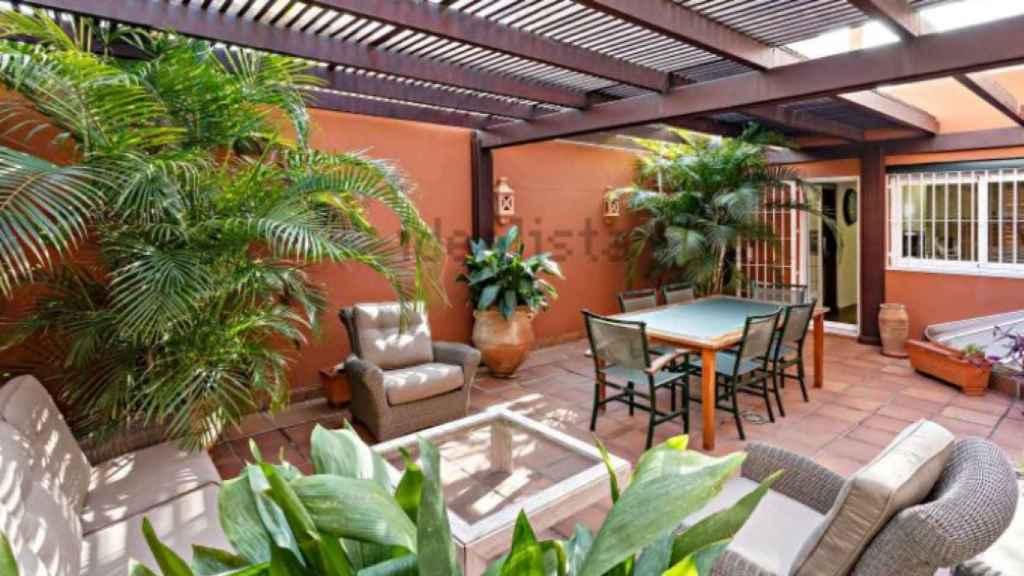 El patio interior, al que se puede acceder desde la planta principal.