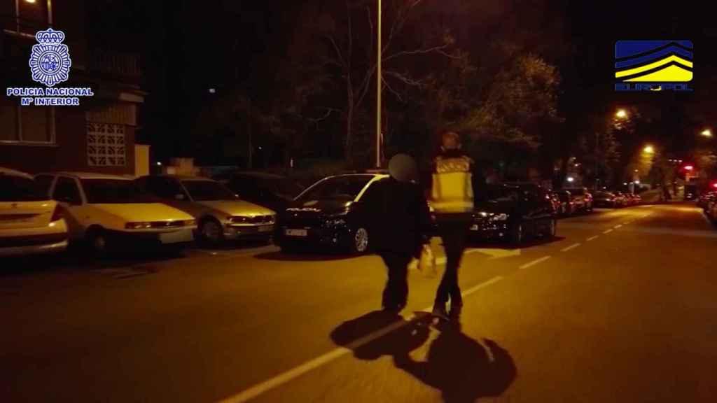 La detención de uno de los integrantes de la trama.