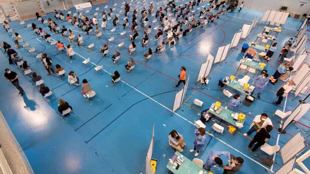 Vacunación masiva en Sevilla.