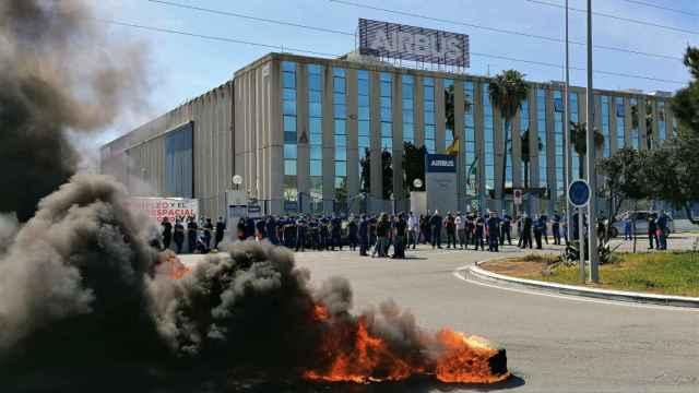 Imagen de archivo de una concentración en la planta de Airbus de Puerto Real (Cádiz).