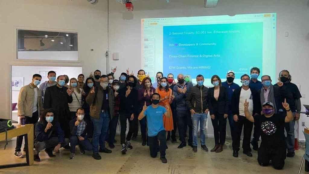 El equipo de Harmony junto a la comunidad 'cripto' de Miami